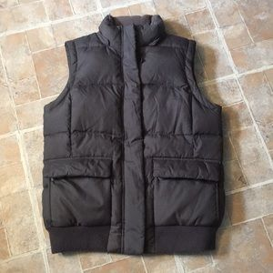 Gap winter puffer vest in size men's small